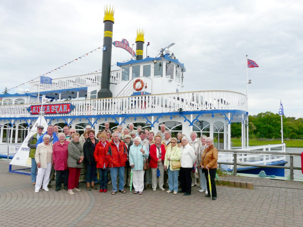 "Ausflugsboot ""River Star"""